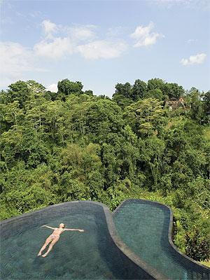 Hotel-pools-3_1473348i