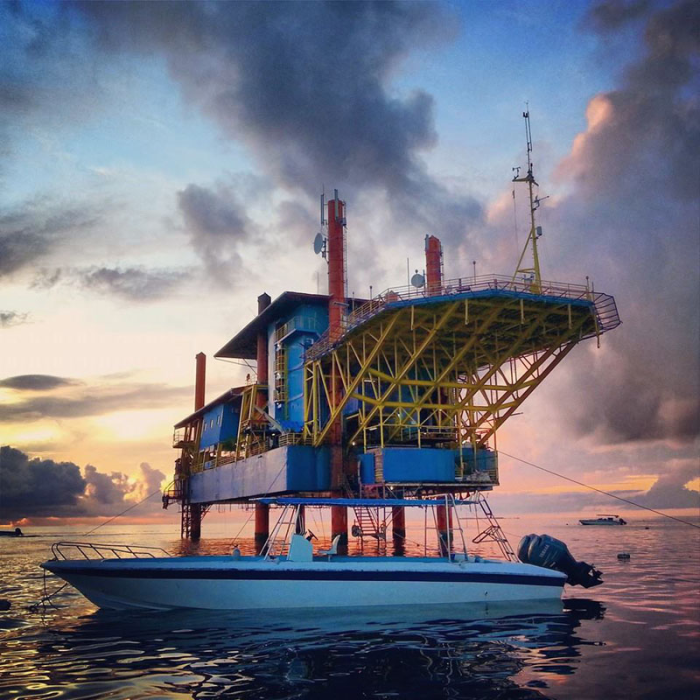 Seaventures-Dive-Rig-at-Sunrise-edited